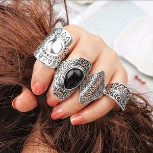 Jewelry - Beautiful Vintage 4pc Boho knuckle Rings
